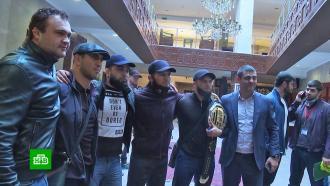 Хабиб Нурмагомедов вернулся вМахачкалу после боя сГэтжи