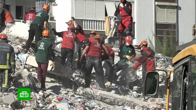 Число погибших при землетрясении вТурции выросло до 49.Турция, землетрясения, стихийные бедствия.НТВ.Ru: новости, видео, программы телеканала НТВ