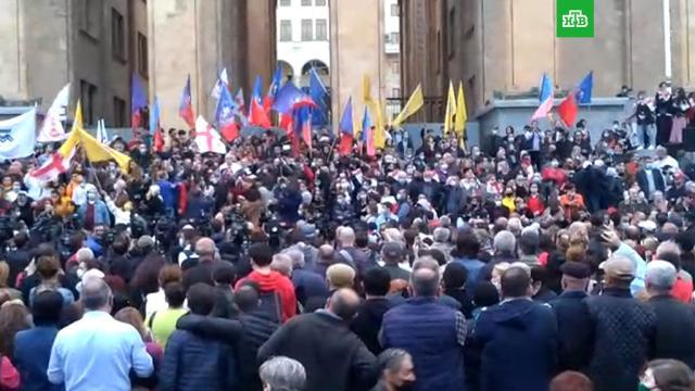 ВТбилиси оппозиционеры вышли на акцию протеста стребованием повторных выборов.Грузия, выборы, митинги и протесты.НТВ.Ru: новости, видео, программы телеканала НТВ