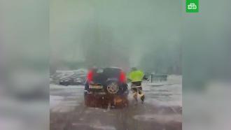Алтайский инспектор остановил машину спьяным водителем
