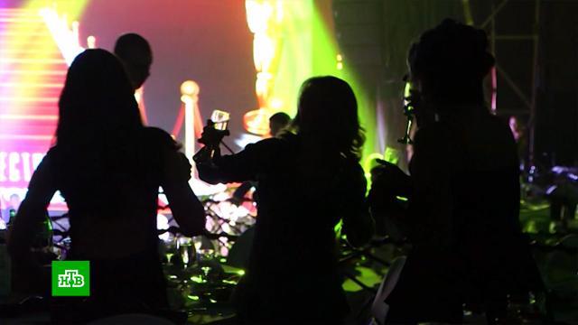 Власти Москвы разрешили новогодние корпоративы.Москва, Новый год, болезни, коронавирус, эпидемия.НТВ.Ru: новости, видео, программы телеканала НТВ