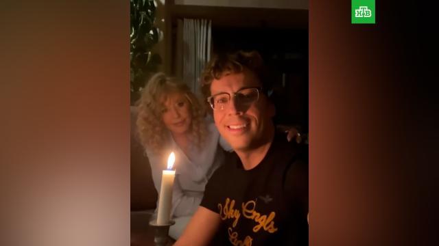 Галкин иПугачёва при свечах отметили 19-летие совместной жизни.Галкин Максим, Пугачёва, артисты, браки и разводы, знаменитости, семья, шоу-бизнес.НТВ.Ru: новости, видео, программы телеканала НТВ
