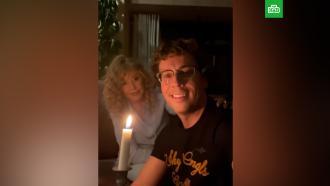 Галкин иПугачёва при свечах отметили <nobr>19-летие</nobr> совместной жизни