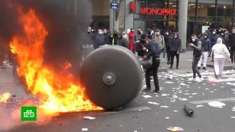 <nobr>COVID-19</nobr>: возмущенные ограничениями граждане Чехии иСловакии вышли на улицы