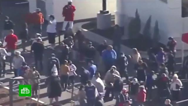 Тысячи американцев в Колорадо провели по 14 часов в очереди за бургерами.США, курьезы, фастфуд.НТВ.Ru: новости, видео, программы телеканала НТВ