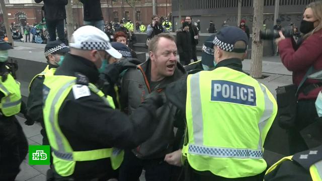 Общенациональный карантин вБритании отменен, но ограничения остаются.Великобритания, карантин, коронавирус, эпидемия.НТВ.Ru: новости, видео, программы телеканала НТВ