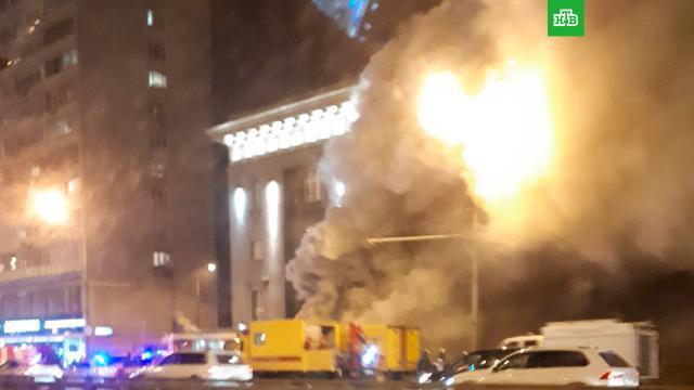 Пожарные начали тушить коммунальный коллектор на севере Москвы.Москва, пожары.НТВ.Ru: новости, видео, программы телеканала НТВ
