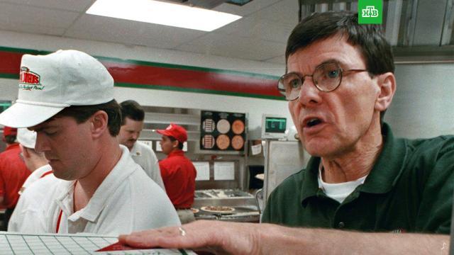 Умер основатель сети Pizza Hut.Один из основателей сети пиццерий Pizza Hut Фрэнк Карни умер в США в возрасте 82 лет.США, рестораны и кафе, смерть.НТВ.Ru: новости, видео, программы телеканала НТВ