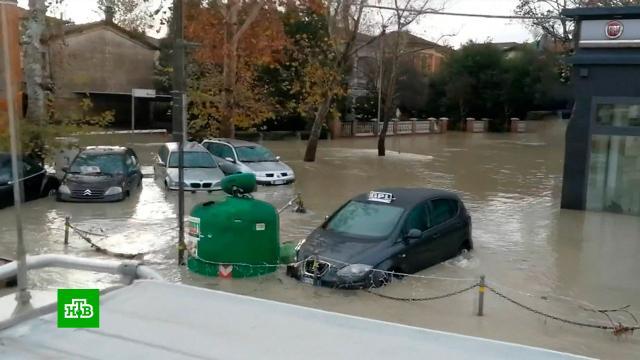 Север Италии ушел под воду.Италия, наводнения, стихийные бедствия.НТВ.Ru: новости, видео, программы телеканала НТВ