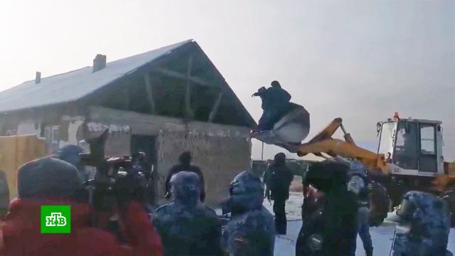 В Туве приставы пытались оставить людей без домов в 25-градусный мороз.жилье, строительство, судебные приставы, Тува.НТВ.Ru: новости, видео, программы телеканала НТВ