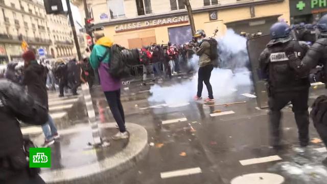 Анархисты провоцируют погромы на акциях протеста в Париже.Париж, Франция, митинги и протесты, полиция.НТВ.Ru: новости, видео, программы телеканала НТВ
