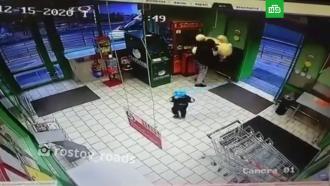 Житель Ростова-на-Дону украл плюшевого медведя, разгромив игровой автомат