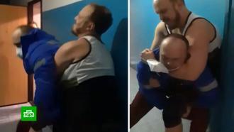 Избивший медика <nobr>из-за</nobr> отсутствия бахил новосибирец обвинил врача внападении