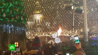 На главной елке Украины загорелись украшения во время торжественной церемонии