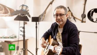 <nobr>Рок-музыкант</nobr> ителеведущий Евгений Маргулис отмечает <nobr>65-летие</nobr>