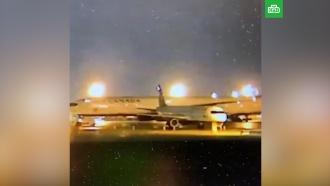 В канадском аэропорту Boeing утащил за собой Airbus