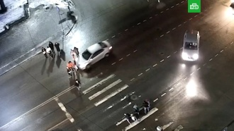 Водитель сбил пешеходов исбежал