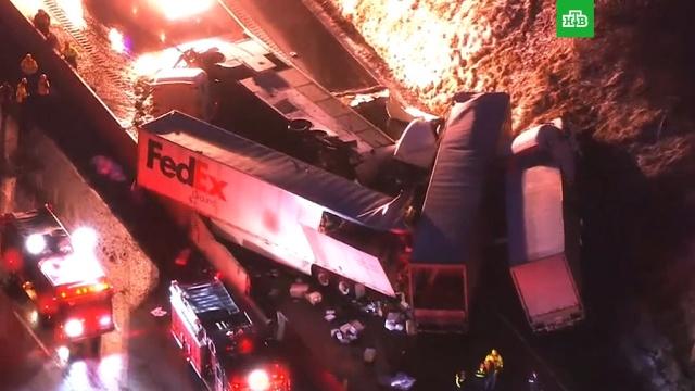 Рейсовый автобус разбился в США: 60 пострадавших, 5 погибших.ДТП, США, аварии на транспорте, автобусы, грузовики.НТВ.Ru: новости, видео, программы телеканала НТВ