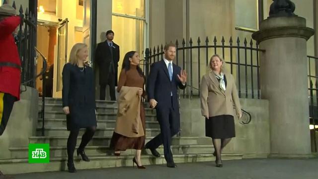 ЕлизаветаII созвала совещание из-за отказа принца Гарри от королевских полномочий.Великобритания, Елизавета II, монархи и августейшие особы, принц Гарри, традиции и обычаи.НТВ.Ru: новости, видео, программы телеканала НТВ