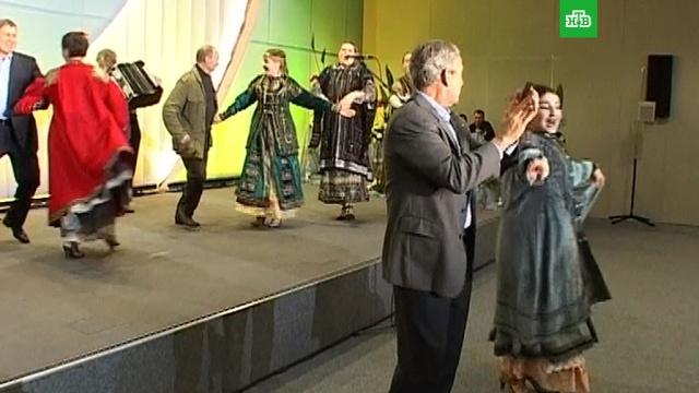 Кремль опубликовал видео танца Путина и Буша-младшего под «Сударыню-барыню».Буш-младший, Путин, история.НТВ.Ru: новости, видео, программы телеканала НТВ