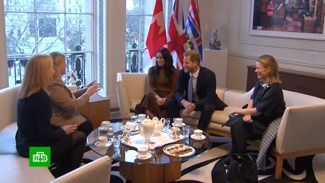 ЕлизаветаII «полностью поддержала» решение принца Гарри начать новую жизнь.Великобритания, Елизавета II, монархи и августейшие особы, принц Гарри, традиции и обычаи.НТВ.Ru: новости, видео, программы телеканала НТВ