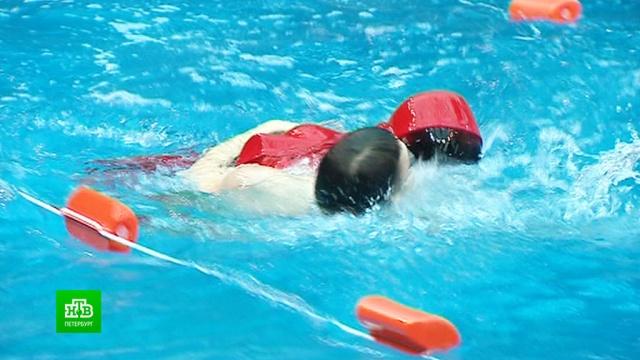 Петербургским спасателям устроили заплыв с манекенами.Санкт-Петербург, учения.НТВ.Ru: новости, видео, программы телеканала НТВ