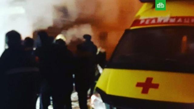Отель в Перми затопило кипятком: погибли 5 человек.Не менее пяти человек погибли в мини-отеле «Карамель» в Перми в результате прорыва трубы отопления. Еще три человека госпитализированы с серьезными ожогами.Пермь, аварии в ЖКХ, несчастные случаи, отели и гостиницы.НТВ.Ru: новости, видео, программы телеканала НТВ