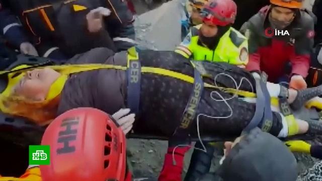ВТурции из-под завалов достают выживших ипогибших при землетрясении.Турция, землетрясения.НТВ.Ru: новости, видео, программы телеканала НТВ