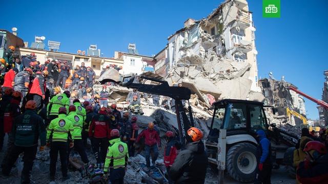 При землетрясении в Турции погибли 29 человек, пострадали свыше 1400.Власти Турции обнародовали новые данные о числе погибших и пострадавших в результате разрушительного землетрясения на востоке страны.Турция, землетрясения, стихийные бедствия.НТВ.Ru: новости, видео, программы телеканала НТВ