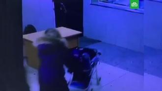 Жительница Томска подбросила больную дочку полицейским