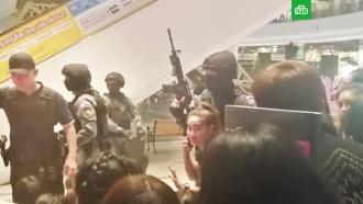 Спецназ начал штурм ТЦ вТаиланде, где скрывается стрелок
