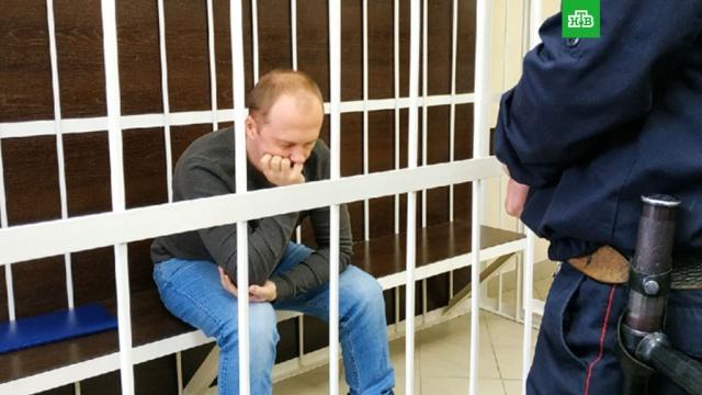 Ставивших сына на гречку родителей отправили в колонию.В Омске вынесли приговор отчиму, который ставил 8-летнего пасынка голыми коленями на гречку, а также матери мальчика, которая поощряла жестокость.дети и подростки, издевательства, Омск, приговоры, суды, жестокость.НТВ.Ru: новости, видео, программы телеканала НТВ