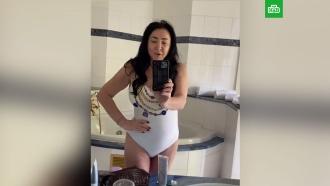 Лолита показала похудевшее тело в купальнике