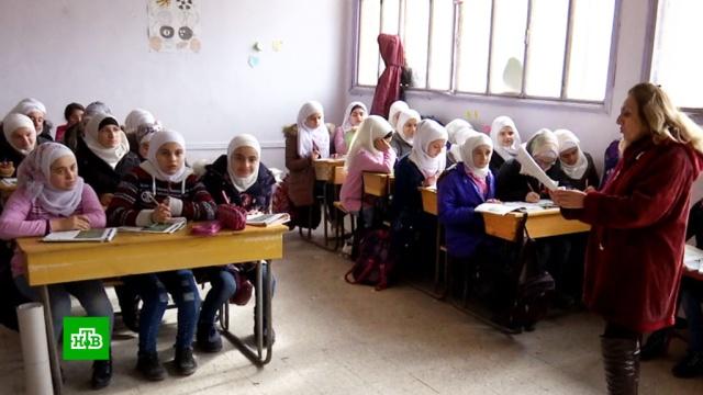 Классы без парт ипечное отопление: всирийском Алеппо заработала школа для девочек.Сирия, войны и вооруженные конфликты, дети и подростки, образование.НТВ.Ru: новости, видео, программы телеканала НТВ