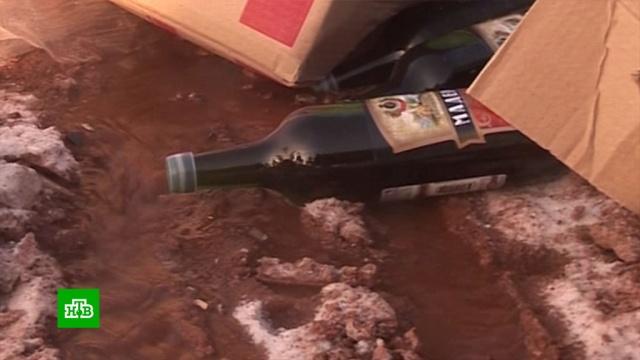 В правительстве предложили уничтожать весь нелегальный алкоголь.Единая Россия, Минфин РФ, алкоголь, законодательство, контрафакт.НТВ.Ru: новости, видео, программы телеканала НТВ