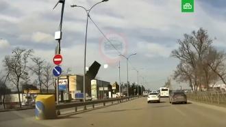Сильный ветер оставил без крыш два здания вСимферополе