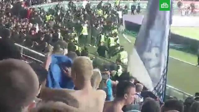 В Грозном напали на раздевшихся по пояс фанатов «Зенита».драки и избиения, Санкт-Петербург, фанаты, футбол, Чечня.НТВ.Ru: новости, видео, программы телеканала НТВ