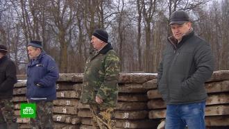 Жители костромского села вынуждены охранять бетонную дорогу