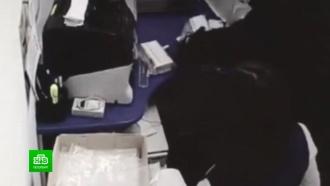Петербургские полицейские выследили и задержали грабителей с поличным
