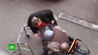 Тюменские следователи выясняют, как часто сиделка избивала пожилую колясочницу