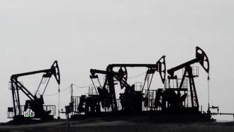Дрогнул, но устоял: почему рубль не отреагировал на отрицательные цены на нефть
