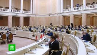 Петербургские депутаты снижают налоги для владельцев плавучих доков