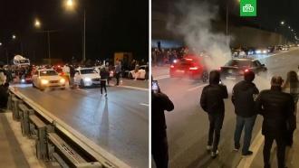 Московские стритрейсеры забыли осамоизоляции иустроили гонки вМоскве