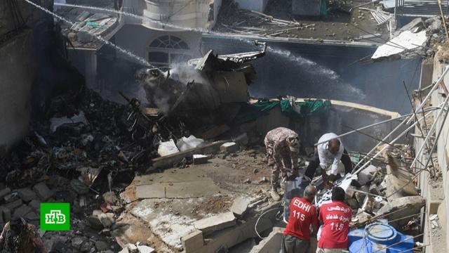 Найдены черные ящики разбившегося вПакистане самолета А320.Пакистан, авиационные катастрофы и происшествия, самолеты.НТВ.Ru: новости, видео, программы телеканала НТВ