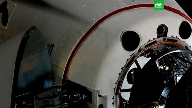 Crew Dragon пристыковался кМКС.Илон Маск, США, космонавтика, космос.НТВ.Ru: новости, видео, программы телеканала НТВ