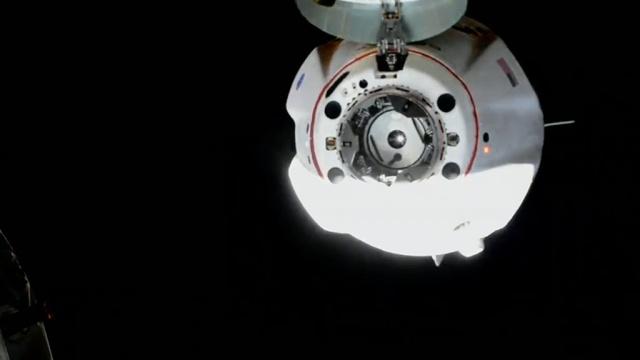Стыковка корабля SpaceX с МКС.Выведенный на орбиту новый американский пилотируемый космический корабль Crew Dragon компании SpaceX сегодня в 17:29 по московскому времени должен будет состыковаться с Международной космической станцией (МКС).НТВ.Ru: новости, видео, программы телеканала НТВ