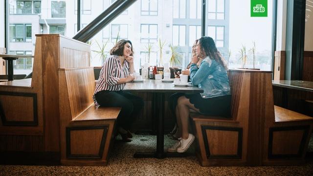 Роспотребнадзор обновил рекомендации для кафе иресторанов.Роспотребнадзор, болезни, коронавирус, рестораны и кафе, эпидемия.НТВ.Ru: новости, видео, программы телеканала НТВ