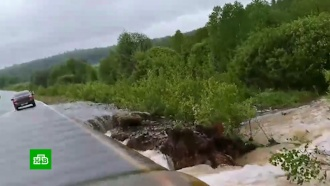 Паводок в Красноярском крае подмыл опоры мостов и повредил дороги