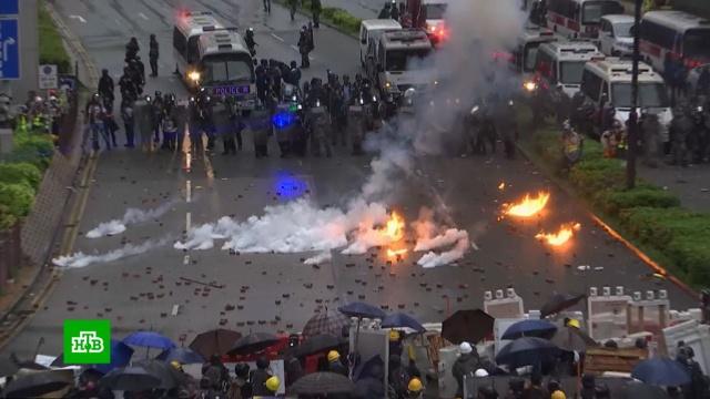 Парламент Китая принял скандальный закон онацбезопасности Гонконга за 15минут.Гонконг, Китай, беспорядки, законодательство, митинги и протесты.НТВ.Ru: новости, видео, программы телеканала НТВ