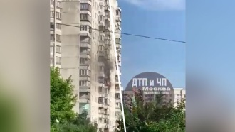 Пожар произошел в доме на юго-западе Москвы
